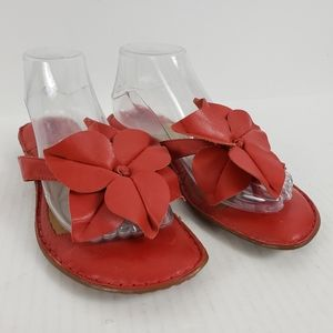 Born Thong Sandal Leather 9M Flat Large Flower Red